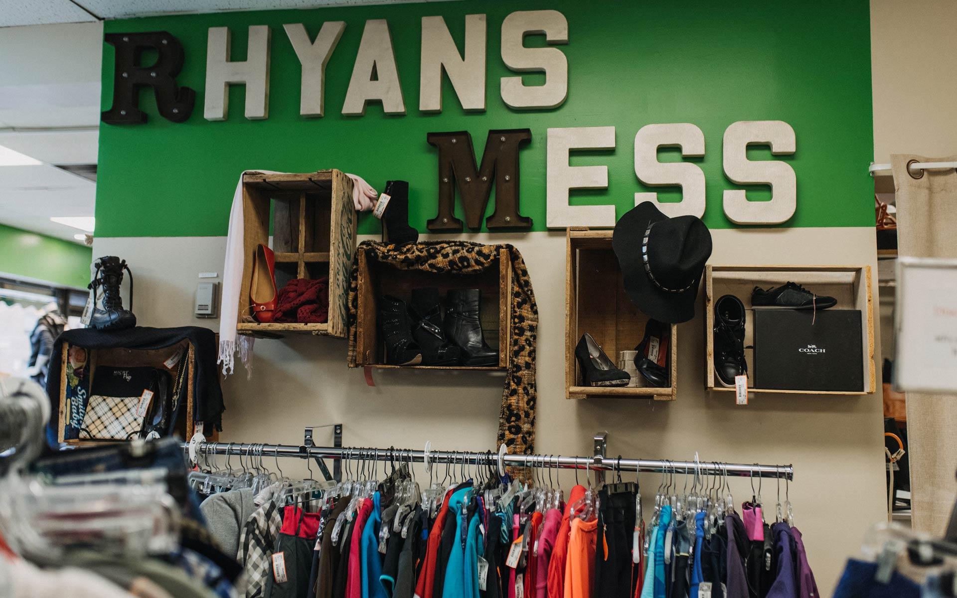 Rhyan's Mess Signage